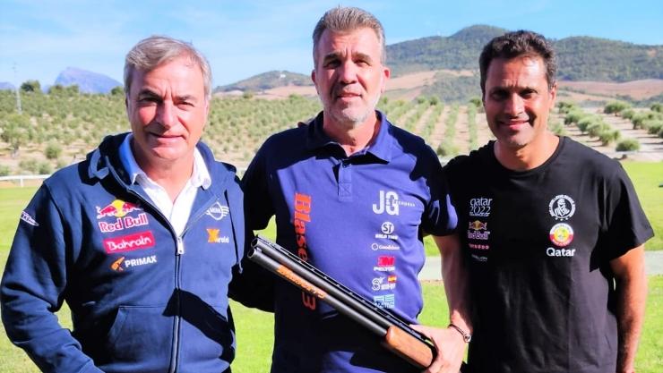 """Nasser Al-Attiyah y Carlos Sainz se retan """"a tiros"""" en el Andalucía Rally."""